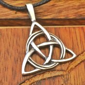 Celtic Knot- Triqutra silver